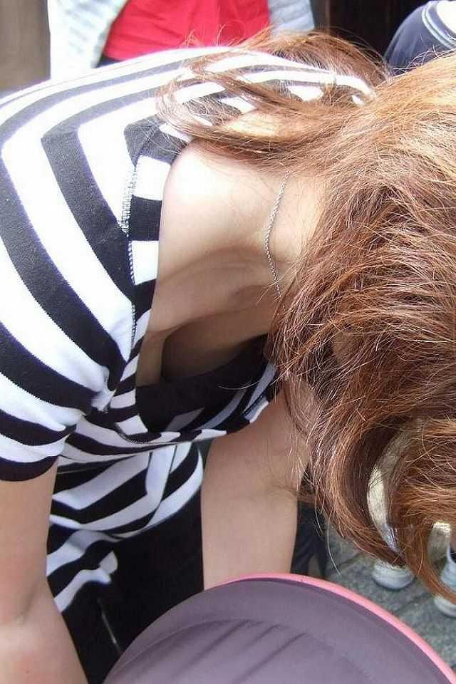 お乳がチラチラ (14)