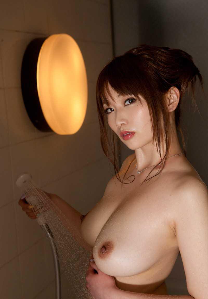 デカい乳房 (13)