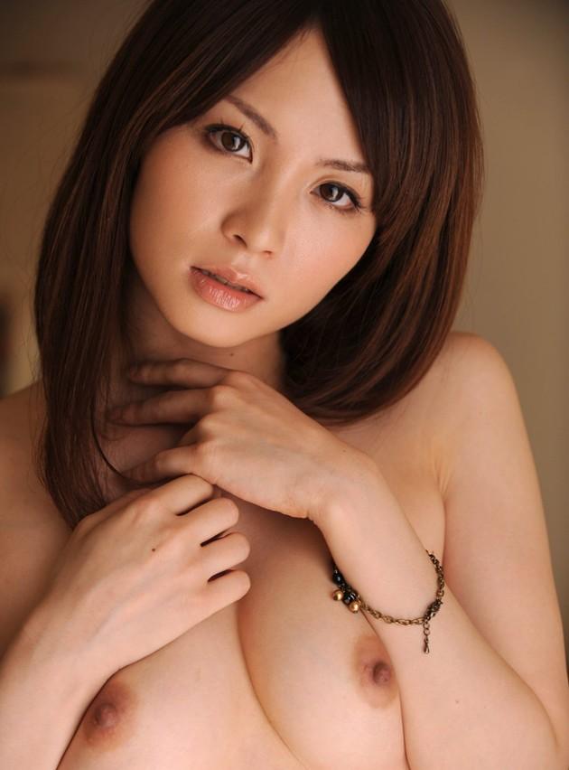 ちっちゃい乳と乳首 (3)