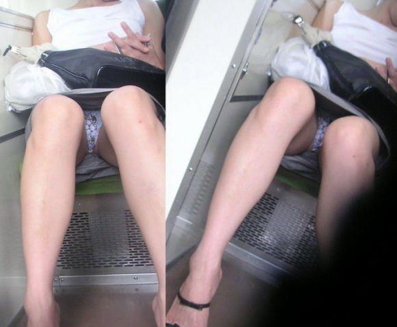 電車内のパンティ (17)