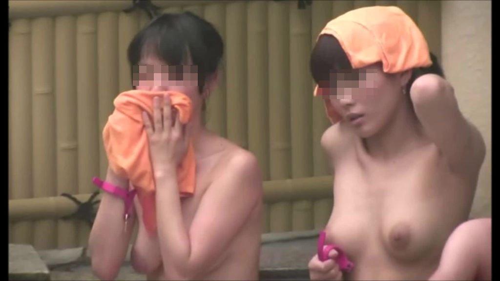お風呂で洗う (12)