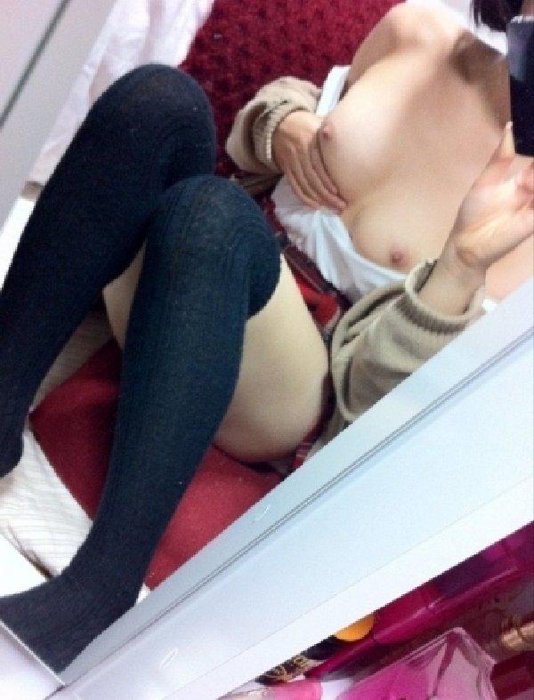 裸になって写メ (14)