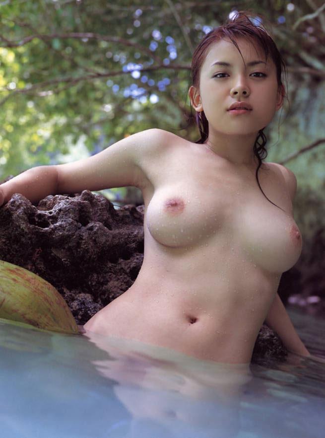 脇の下と乳房 (5)