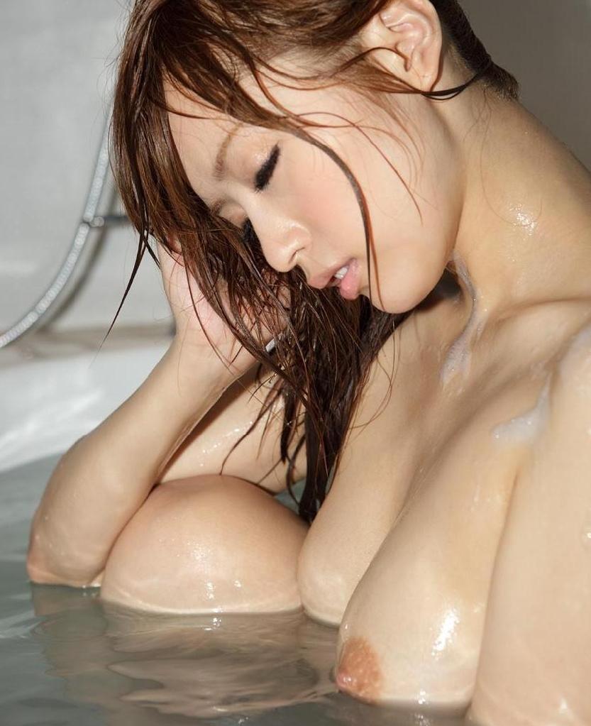 素っ裸でお風呂 (19)