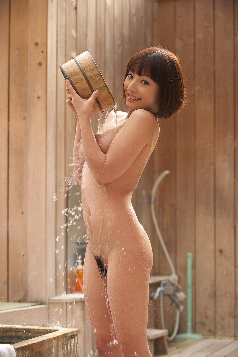 素っ裸でお風呂 (16)