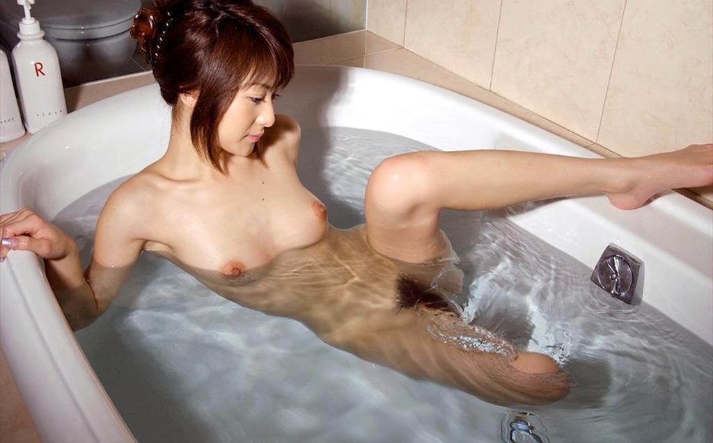 素っ裸でお風呂 (4)