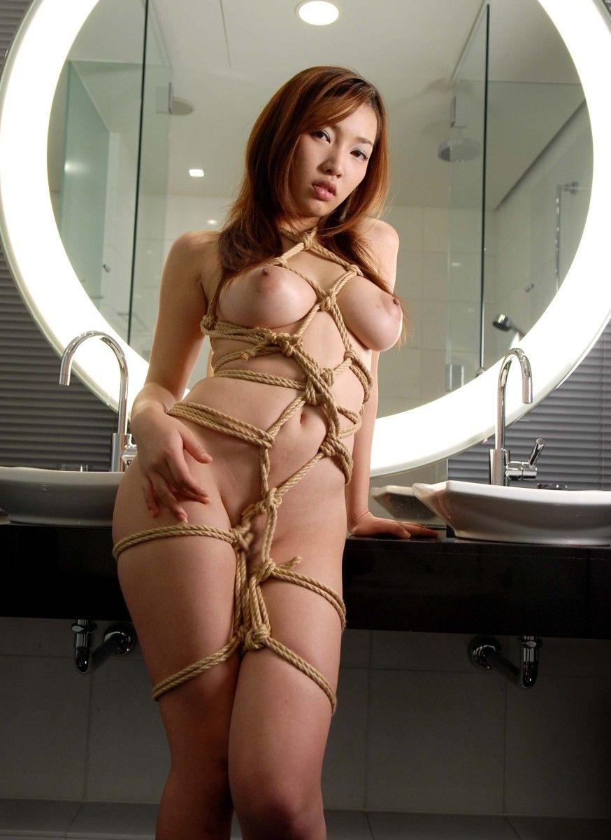 拘束される女 (3)