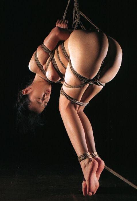 拘束される女 (5)