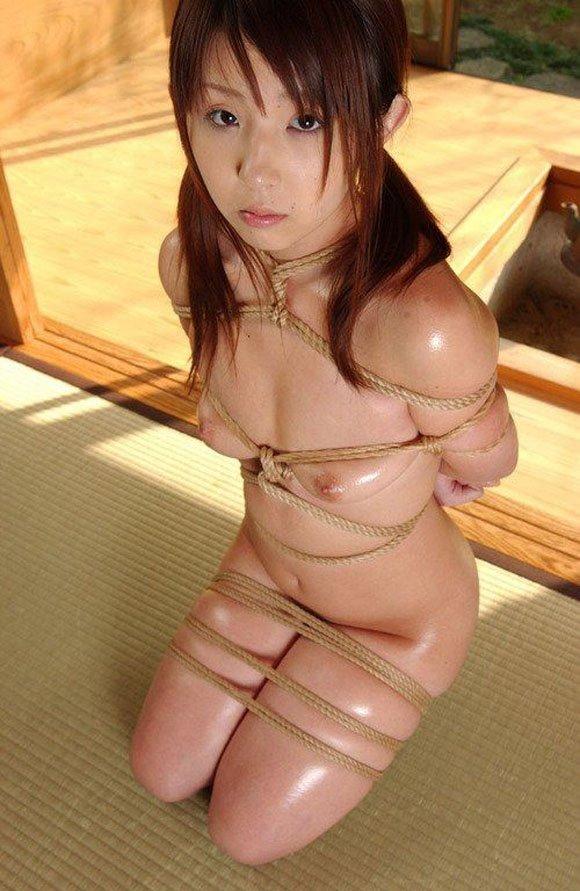 拘束される女 (9)