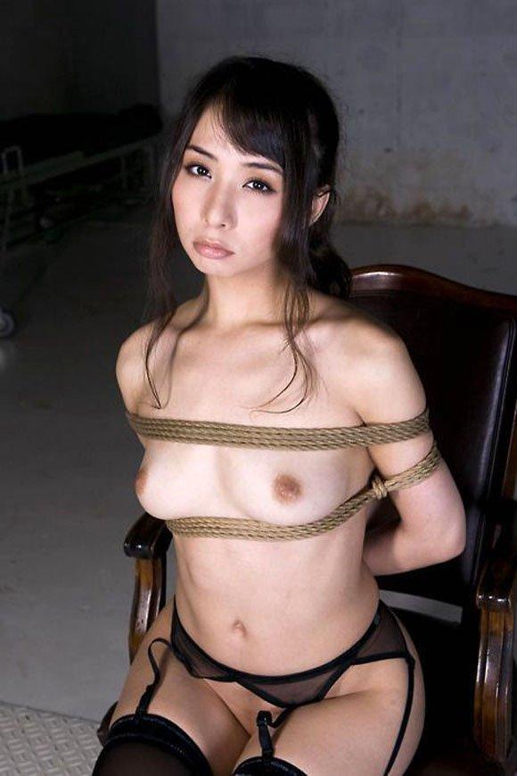 拘束される女 (8)