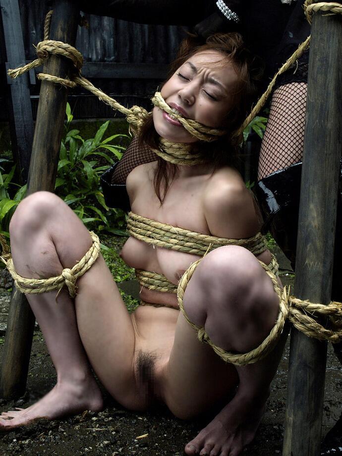 拘束される女 (19)