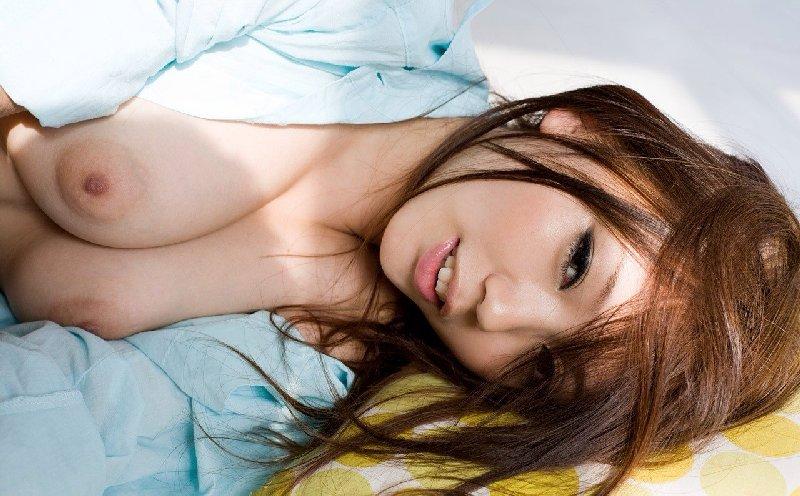 均整のとれた乳房 (4)