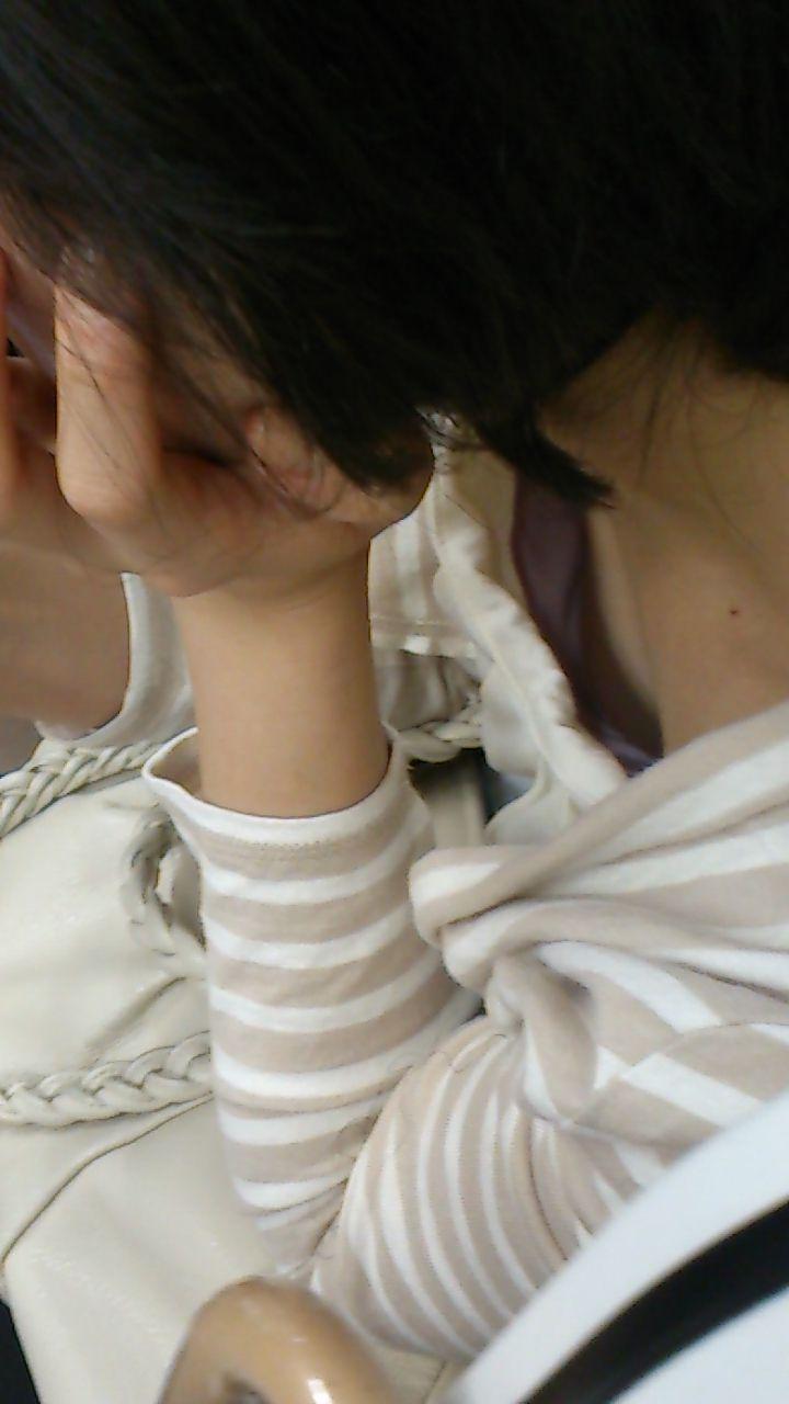 チョット見えた乳房 (14)