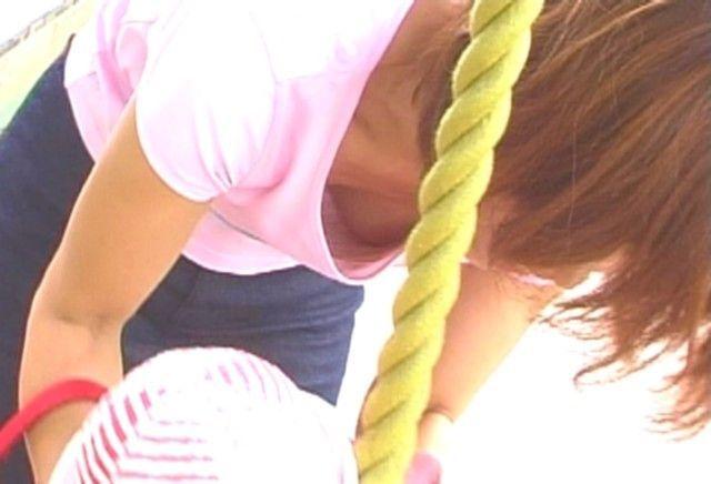 チョット見えた乳房 (13)