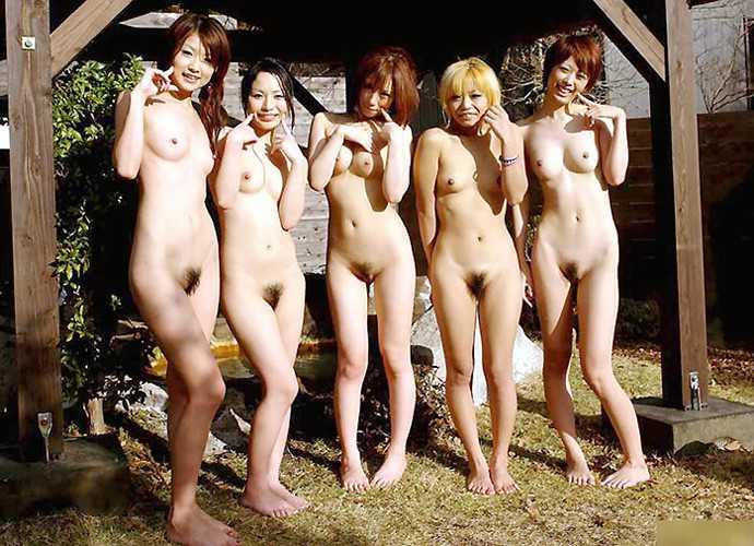素っ裸が集まった (8)