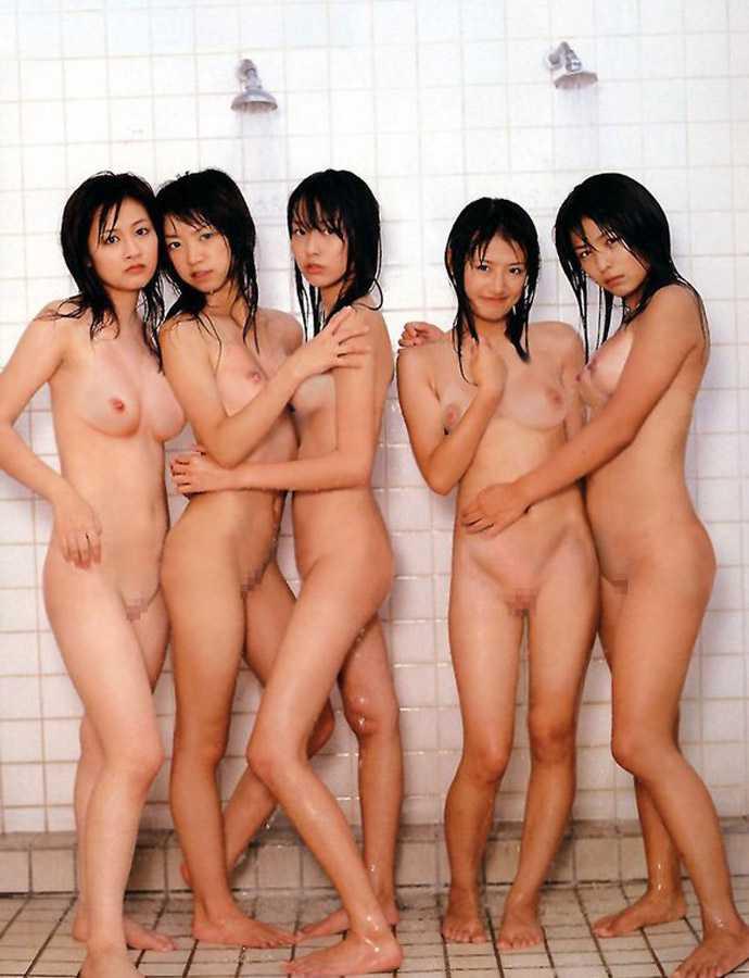 素っ裸が集まった (14)