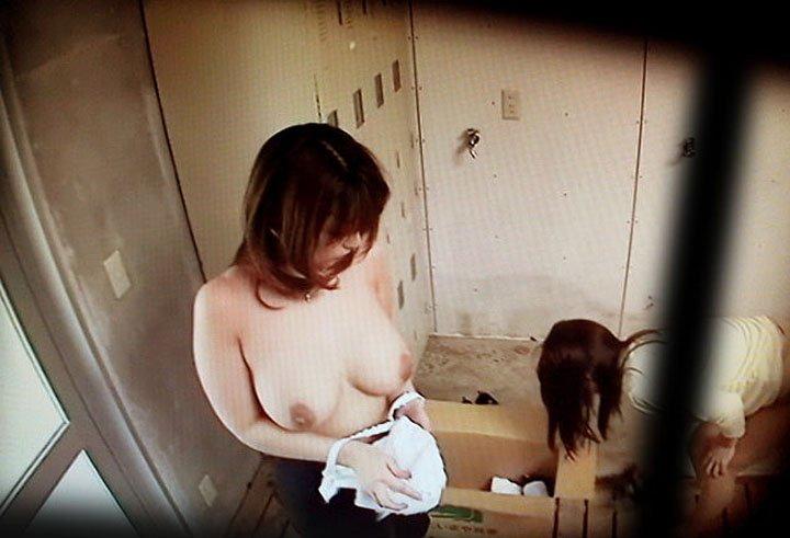 脱衣所で着替え (12)