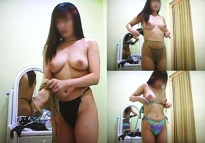 脱衣所で着替え (16)