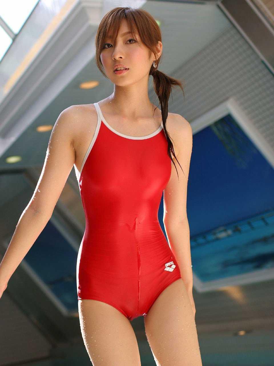 競泳用のセクシー水着 (15)