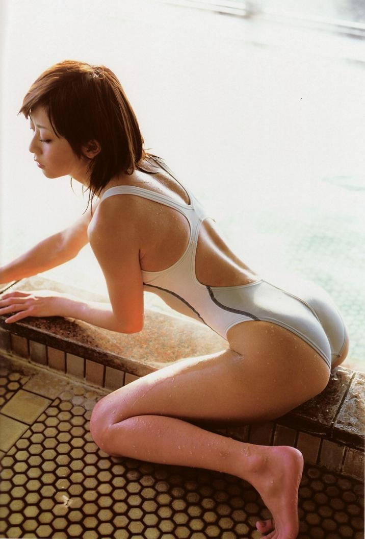 競泳用のセクシー水着 (8)