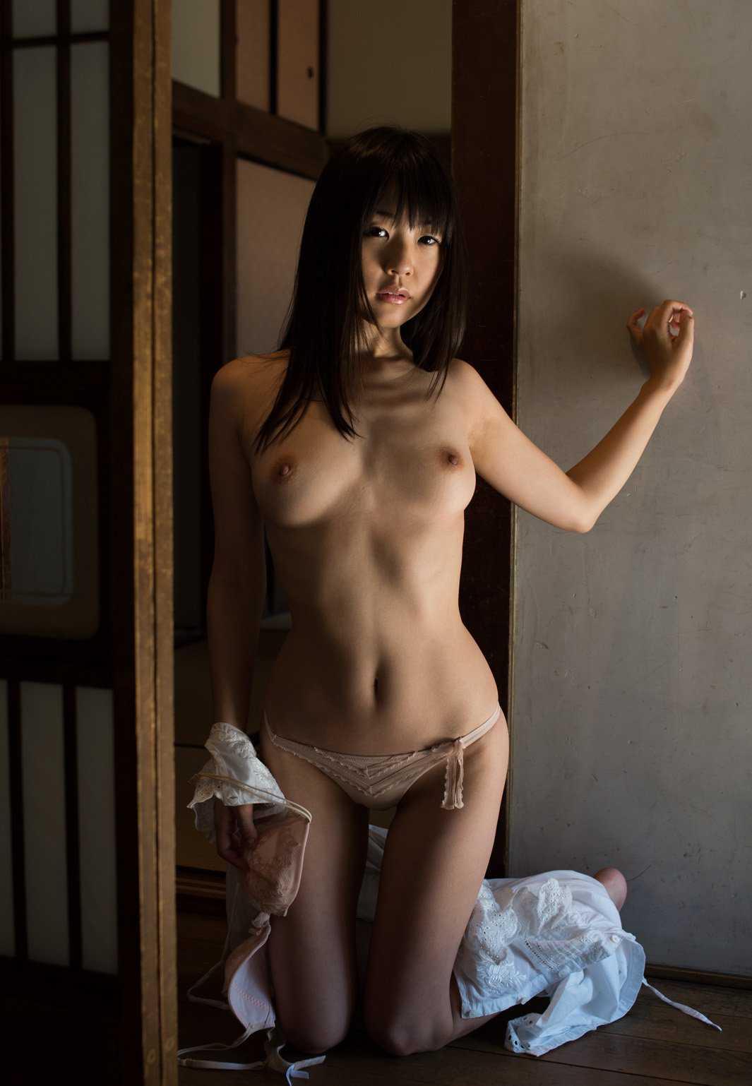 愛くるしい淫乱、つぼみ (10)