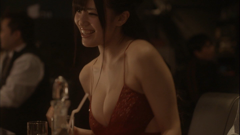 乳房が見えたTV (16)