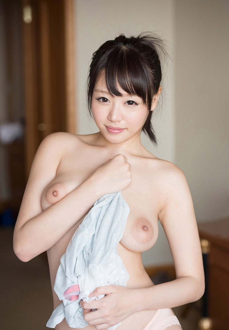 Fカップ巨乳の、浜崎真緒 (3)