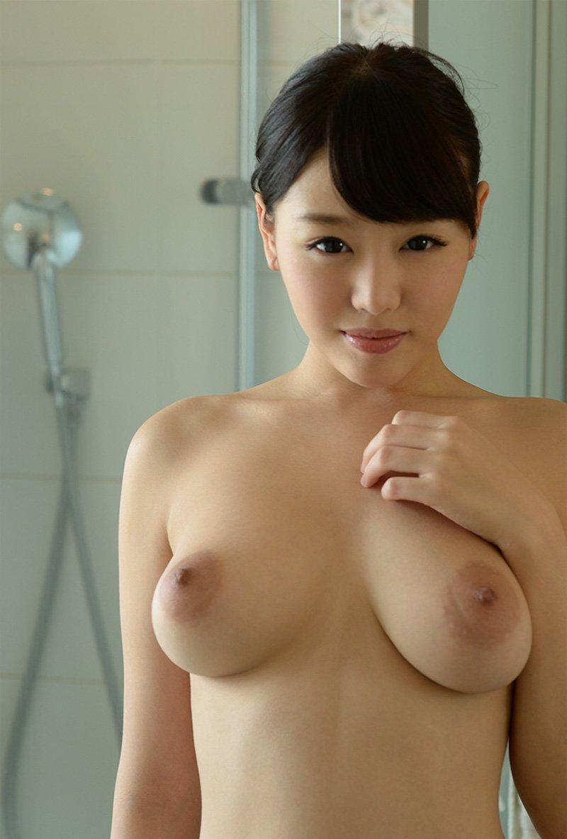 Fカップ巨乳の、浜崎真緒 (12)