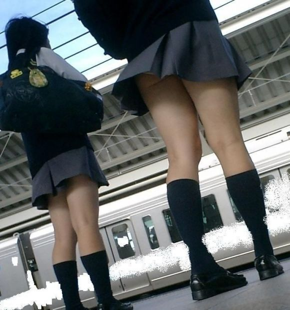 JKの純白パンティ (4)