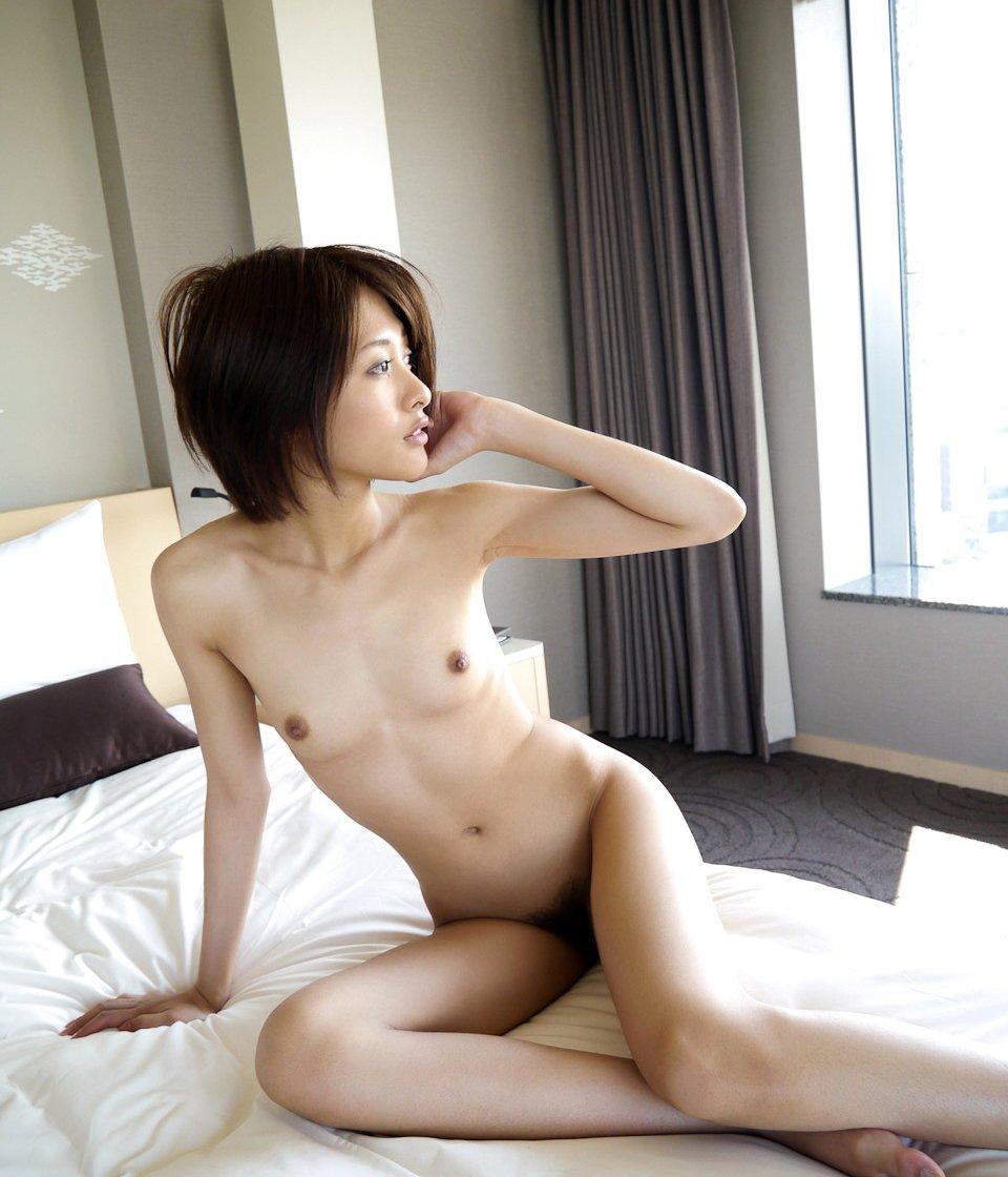 可愛い顔と乳房 (6)