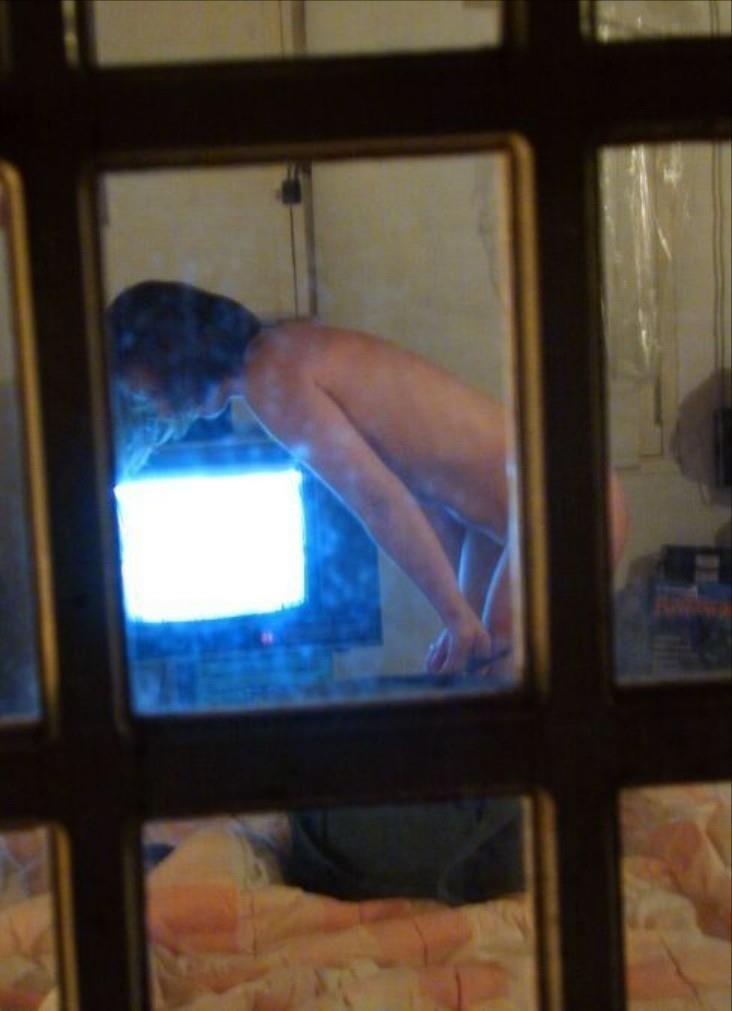 中を見ると裸の女 (9)