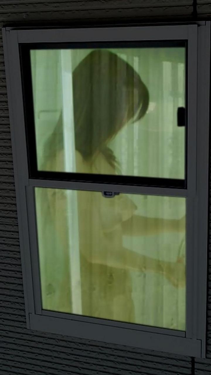 中を見ると裸の女 (7)