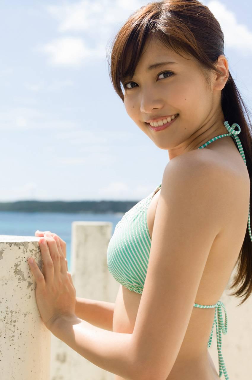 クビレと美乳が素晴らしい、佐野ひなこ (2)