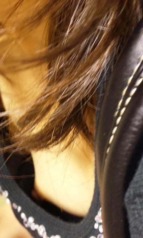 覗き見えた乳房 (16)