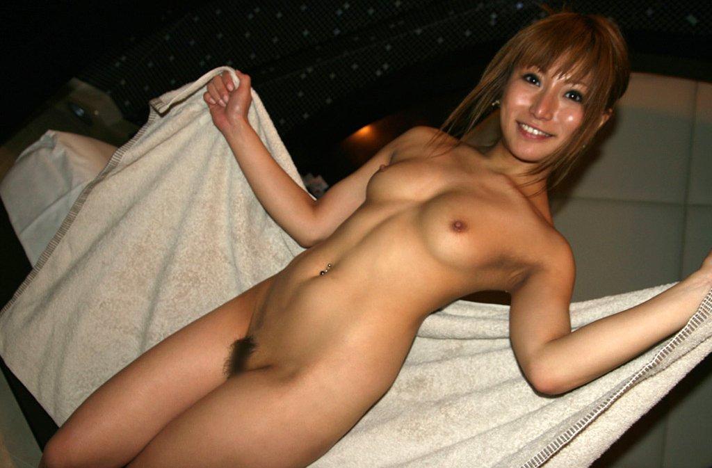 日に焼けたギャルの裸 (6)