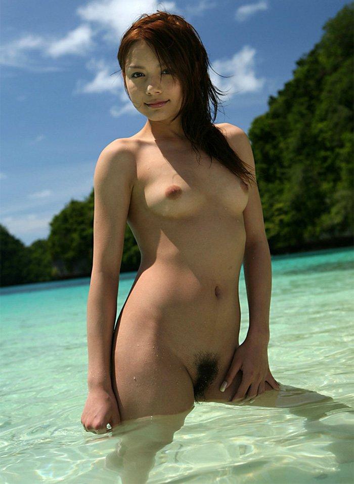 素っ裸と乳房 (17)