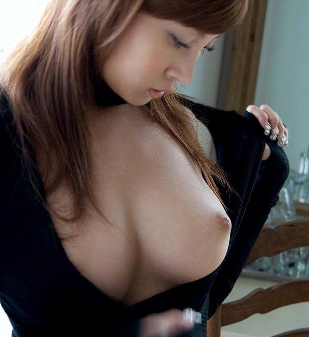 綺麗な乳頭 (1)