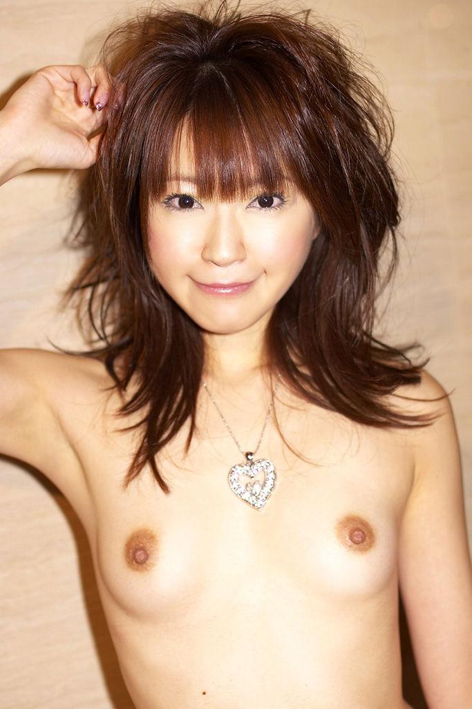 ちっちゃい乳房の子 (4)