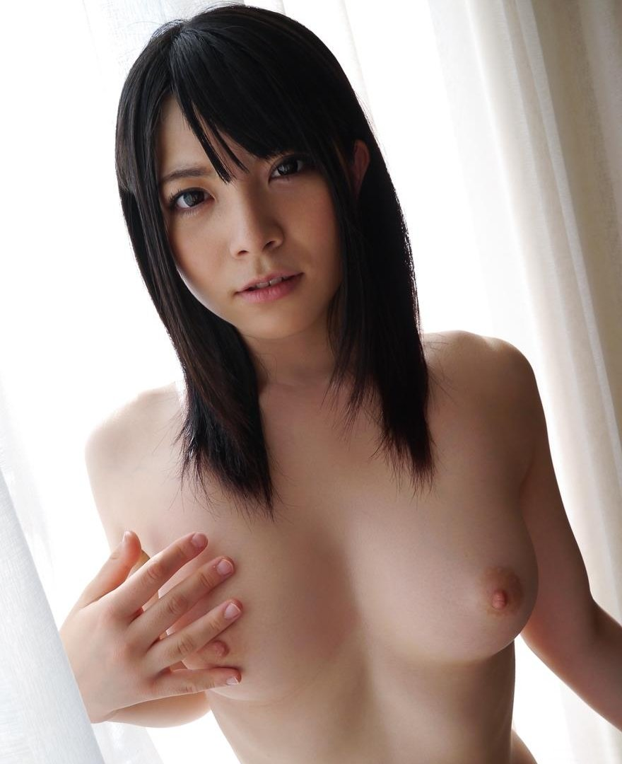 ハードプレイもOKの美女、上原亜衣 (1)