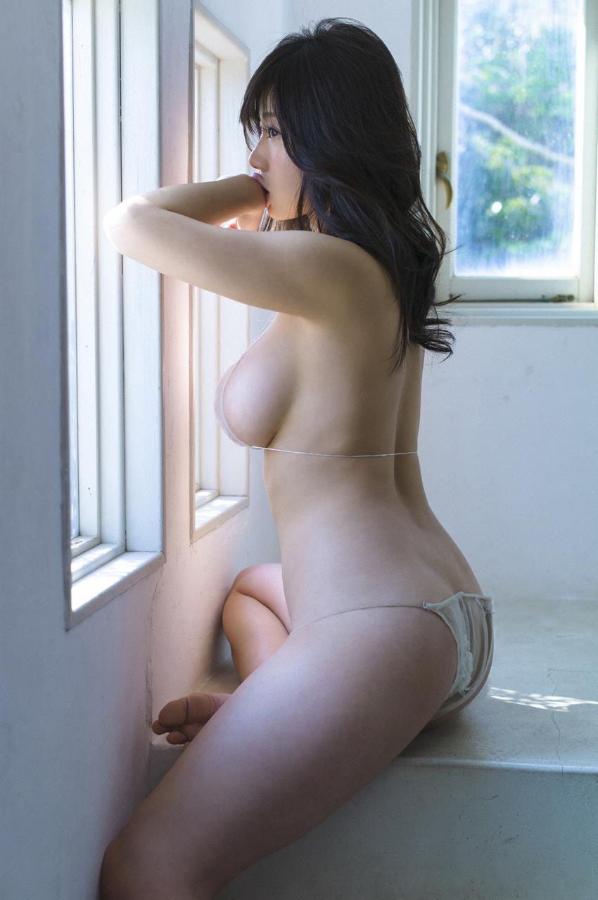 巨乳のグラビアアイドル (7)