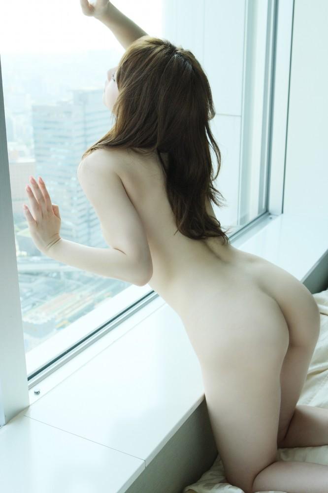 綺麗なヒップを出しちゃう (3)