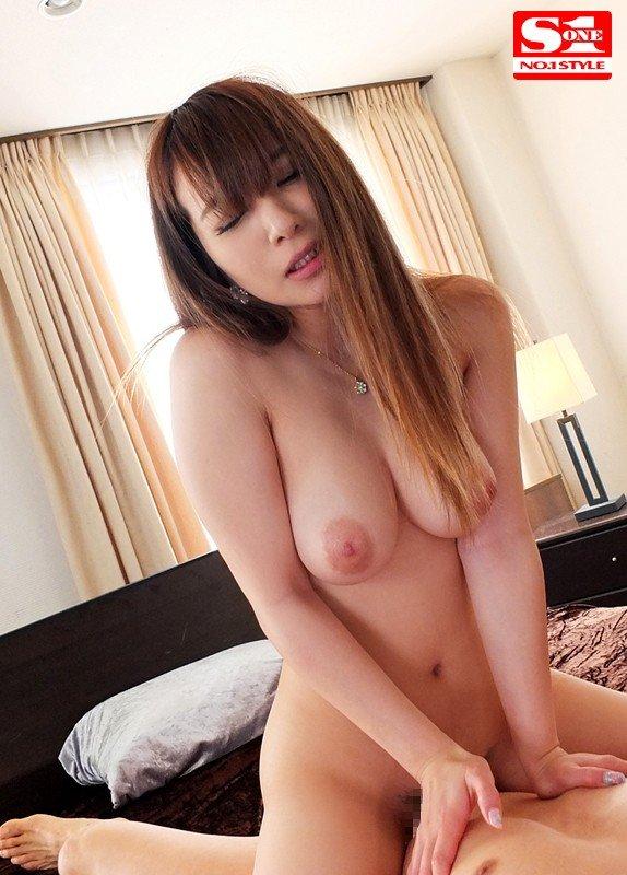 ナイスバディーな、園田みおん (20)