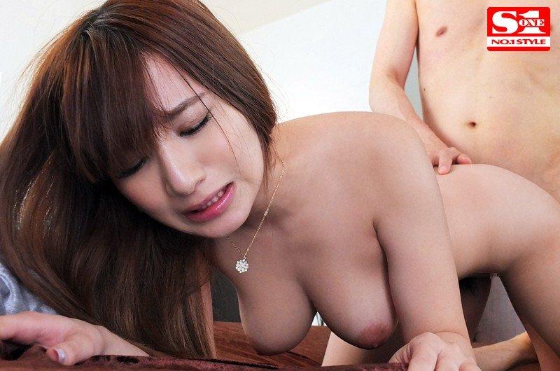 ナイスバディーな、園田みおん (19)