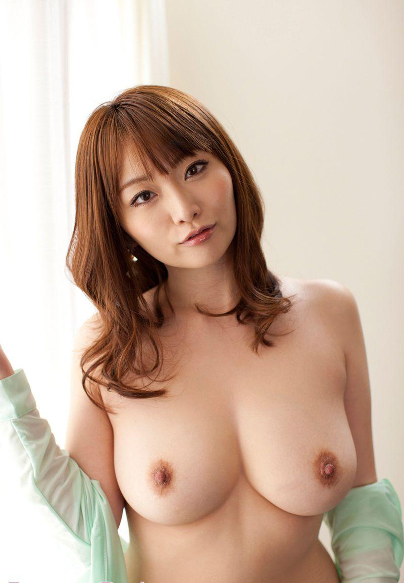 見事な乳房が素敵 (19)