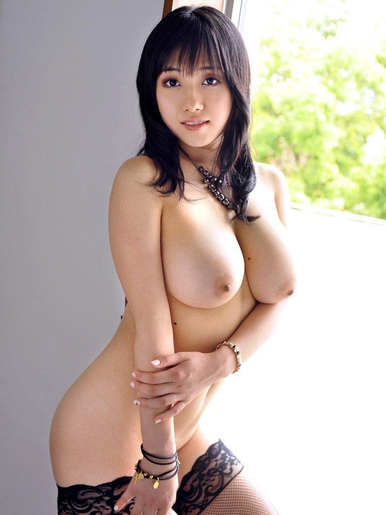 デカい乳房が素敵 (16)