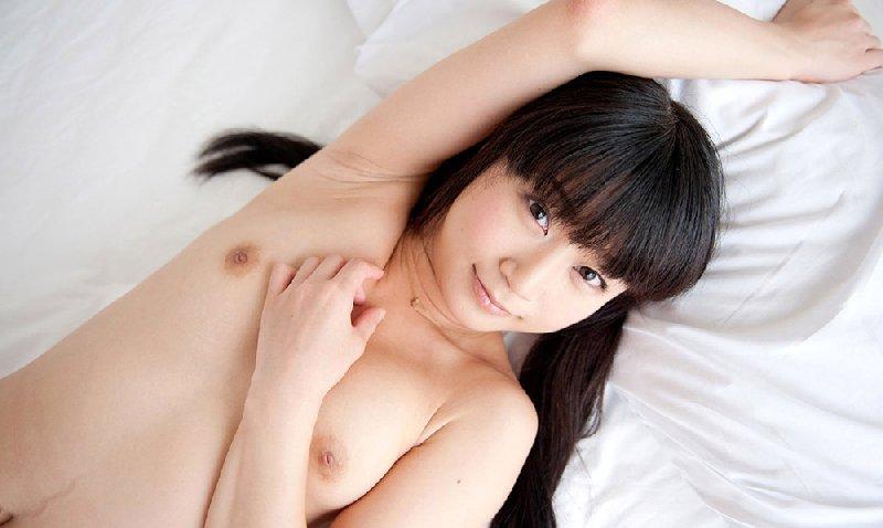 黒い髪のキュートな子 (1)