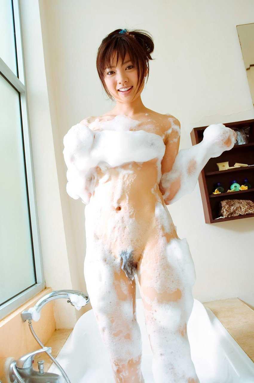 入浴している女 (15)