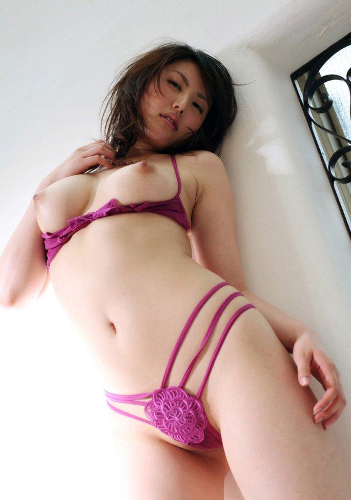 乳房が露出した下着 (9)