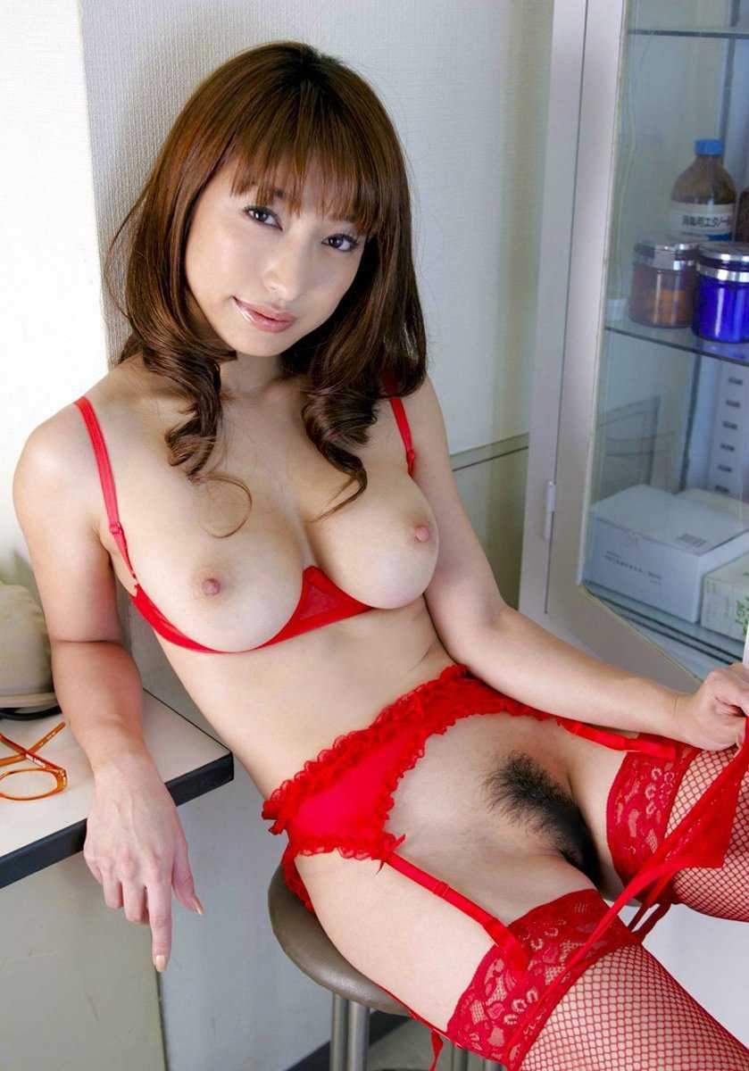 乳房が露出した下着 (13)