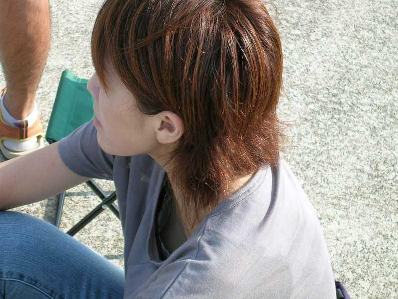 乳頭まで見えてる (6)